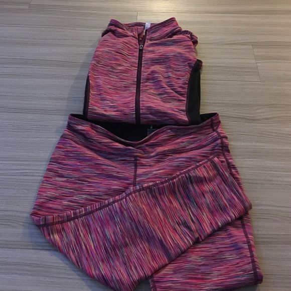 Ideology track set like new only wore 1 time Ideology like new only use one time very cute outfit for a jogging and sports make me an offer thank you Ideology Pants Track Pants & Joggers