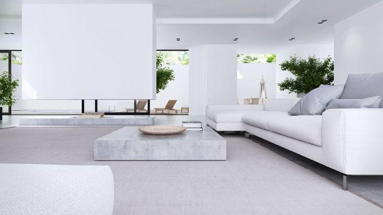 Wohnbereich mit schlichtem Möbeldesign und viel Tageslicht ...