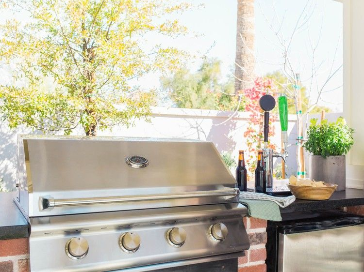 7 DeepClean Tips to Get Your Grill PartyReady Deep