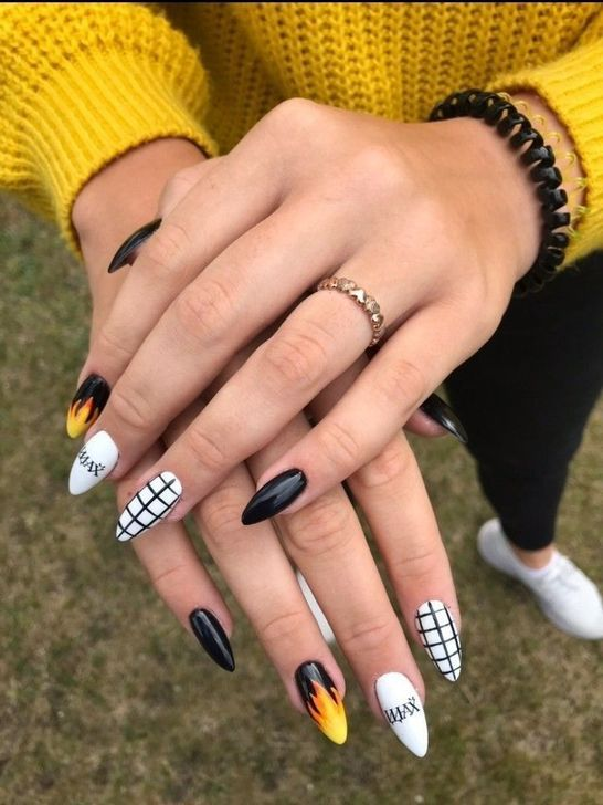 42 Sophisticated Grunge Nails Ideas Can Make You Looks More Elegant In 2020 Checkered Nails Grunge Nails Best Acrylic Nails