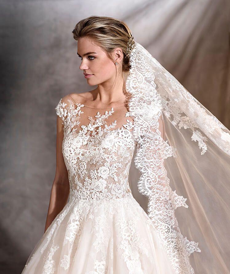 Ofelia wedding dress pronovias 2017 happily ever after for Ever after wedding dress