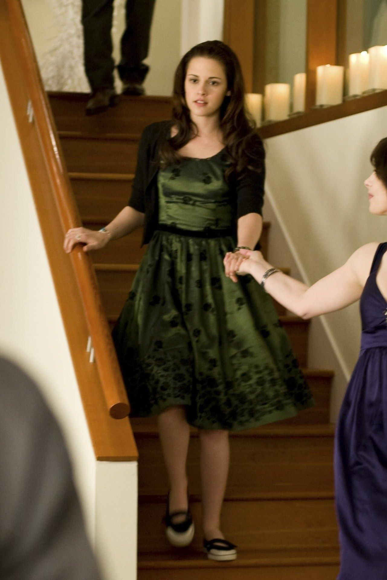The Costumer S Guide To Movie Costumes Twilight Outfits Prom Dress Shoes Prom Outfits [ 2236 x 1676 Pixel ]