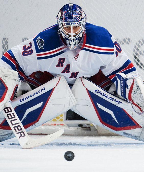 New York Rangers Goalkeeper Of An Ice Hockey Rangers Hockey Hockey Goalie Henrik Lundqvist