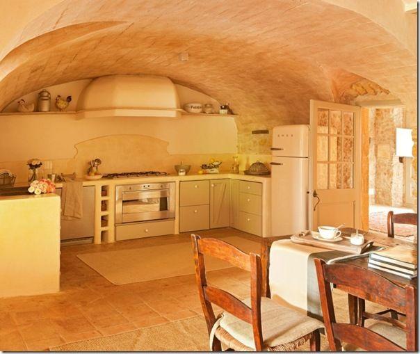 Case e interni cas a campagna stile rustico country for Case antiche ristrutturate interni