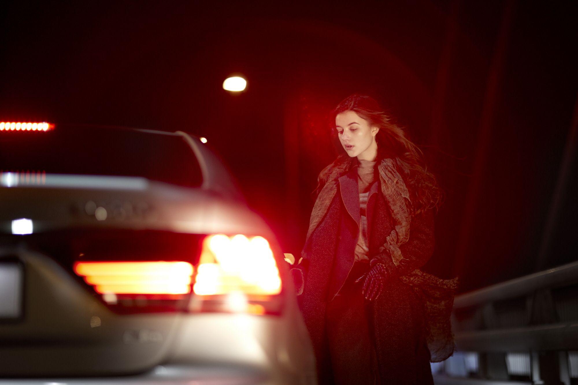 새벽의 고요를, 운전자의 평화를 친애하는 LS는 그저 조용하게 센터페시아를 밝혀준다. | Lexus i-Magazine Ver.3 앱 다운로드 ▶ www.lexus.co.kr/magazine #Lexus #LS #Car #Magazine