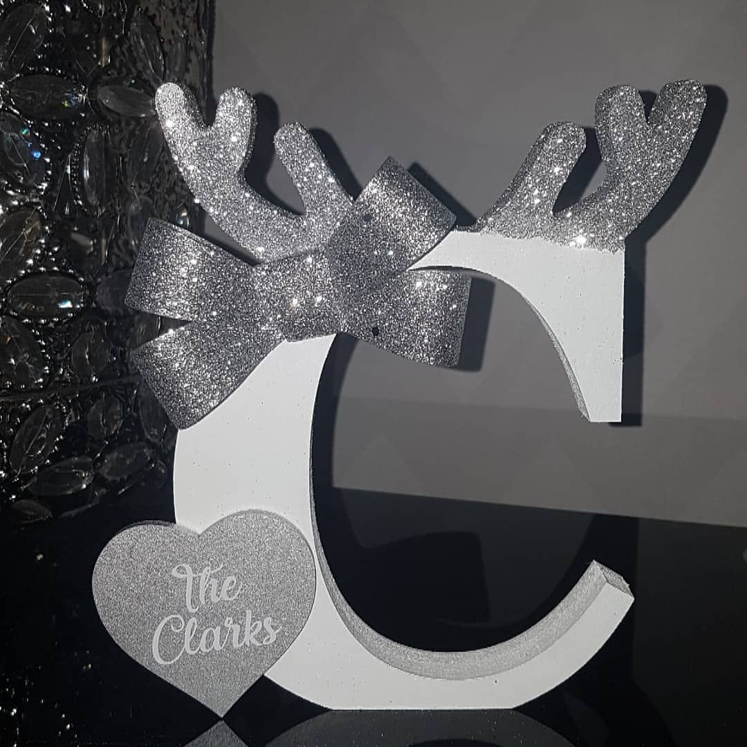 Good Morning, Ive had so many lovely people ask if I am doing the Personalised Raindeer letters this year & I curtainly am. I've haf lots of orders placed for these already 😊. They are 20cm, freestanding, Personalised with first names, family surname or adding believes after your name, because everyone believes right 🤗. These can be made in any colour scheme to match your lovely home or Christmas decor. £12.99 Plus pp