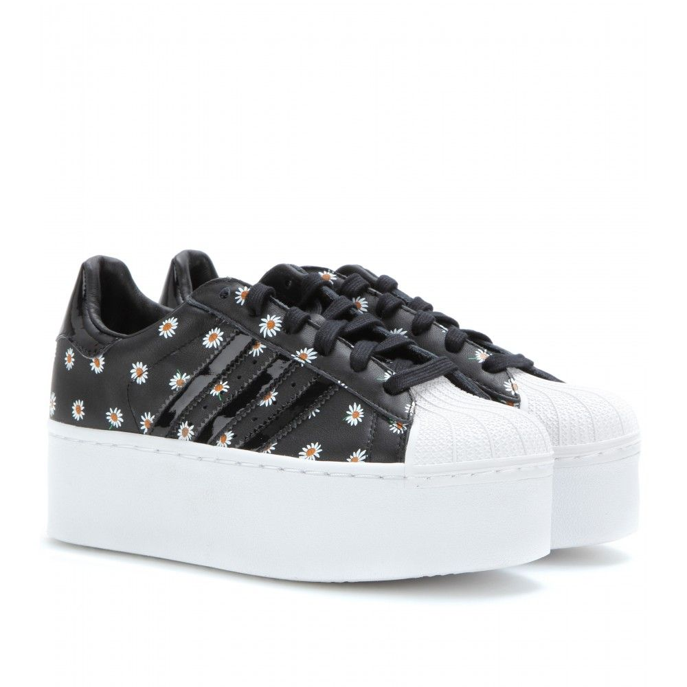 Adidas platform daisy sneakers