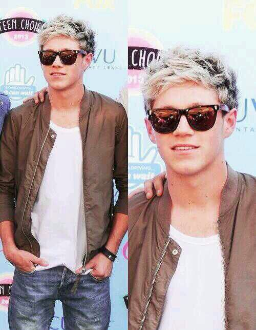Can we talk about how amazing Niall looked last night? Like dang boy <<< that's usual...