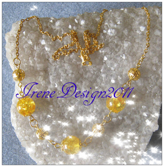 Beautiful Handmade Gold Necklace with Amber Amber belongs to the Solar Plexus Chakra and to the Heart Chakra. Amber help to calm our soul and is amazing to give the feeling of safety to the wearer …