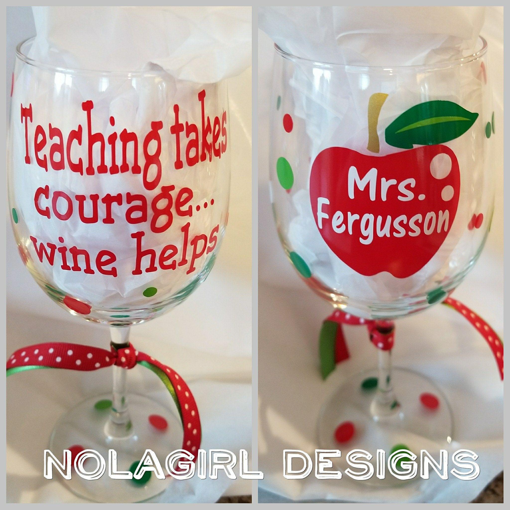 Teach Teacher Teachergift Southern Fun Customdesigns Cup Shopwithme Ladies Shopsmall Custom Personal Wine Gifts Diy Wine Gifts Painted Wine Glasses