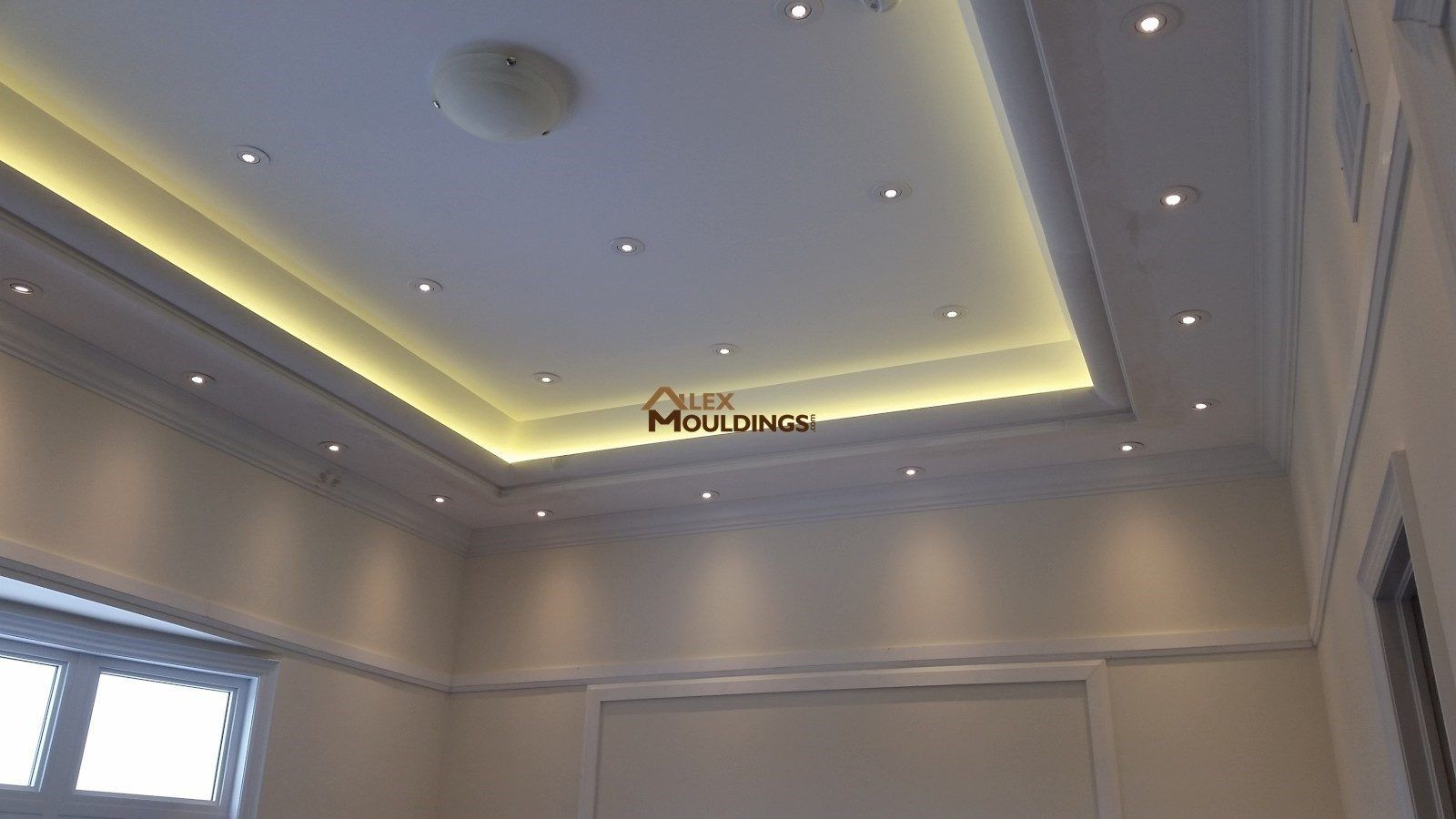 Led Cove Lighting With Crown Mouldings Photos Alexmoulding Com