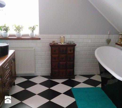 vintage bathroom http://www.homebook.pl/inspiracje/lazienka/382210_-lazienka Moja retro #lazienkazwanna - Łazienka - zdjęcie od Paula Błaszczak