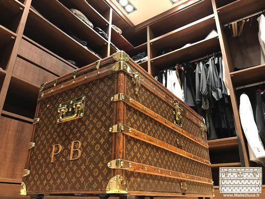 malle ancienne louis vuitton décoration d un dressing de luxe ... 14ce7e4dda6