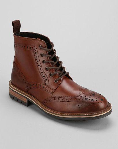 3112a2e8b9ce9 Fall 2013 Trend Report boots with a suit hawkings Homme Noir, Vêtements  Homme, Mode