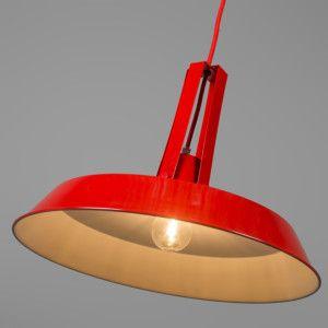 Lámpara colgante LIVING 40cm rojo - Lámpara colgante de metal de aspecto industrial, de color rojo brillante con el interior de color blanco para que la iluminación sea óptima. El cable de suspensión está recubierto de una tela del mismo color que la cubierta.  #industrial