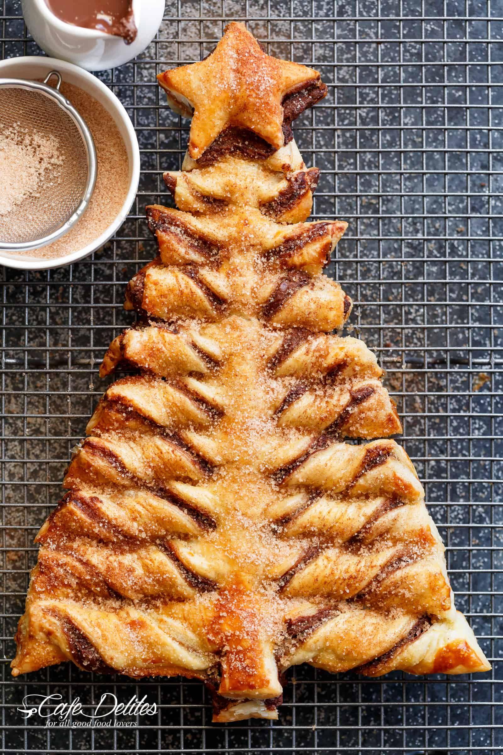 Churro Nutella Christmas Tree Is A Popular Kids Christmas Dessert Pastry Cafe Christmas Desserts Kids Christmas Tree Desserts Christmas Tree Dessert Recipes