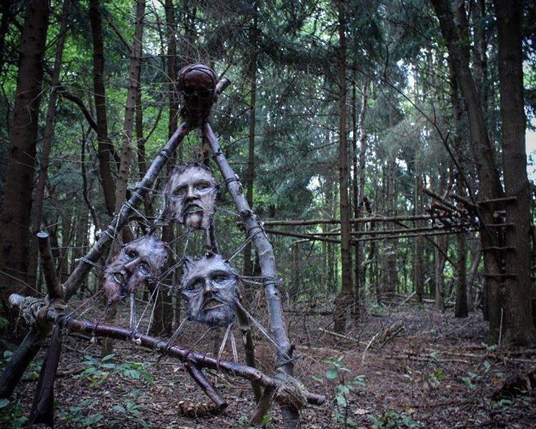 Pin Von Andrea Glashauser Auf Gruselige Geisterbilder Mit Bildern Halloween Deko Halloween Deko Garten Halloween Deko Leiche