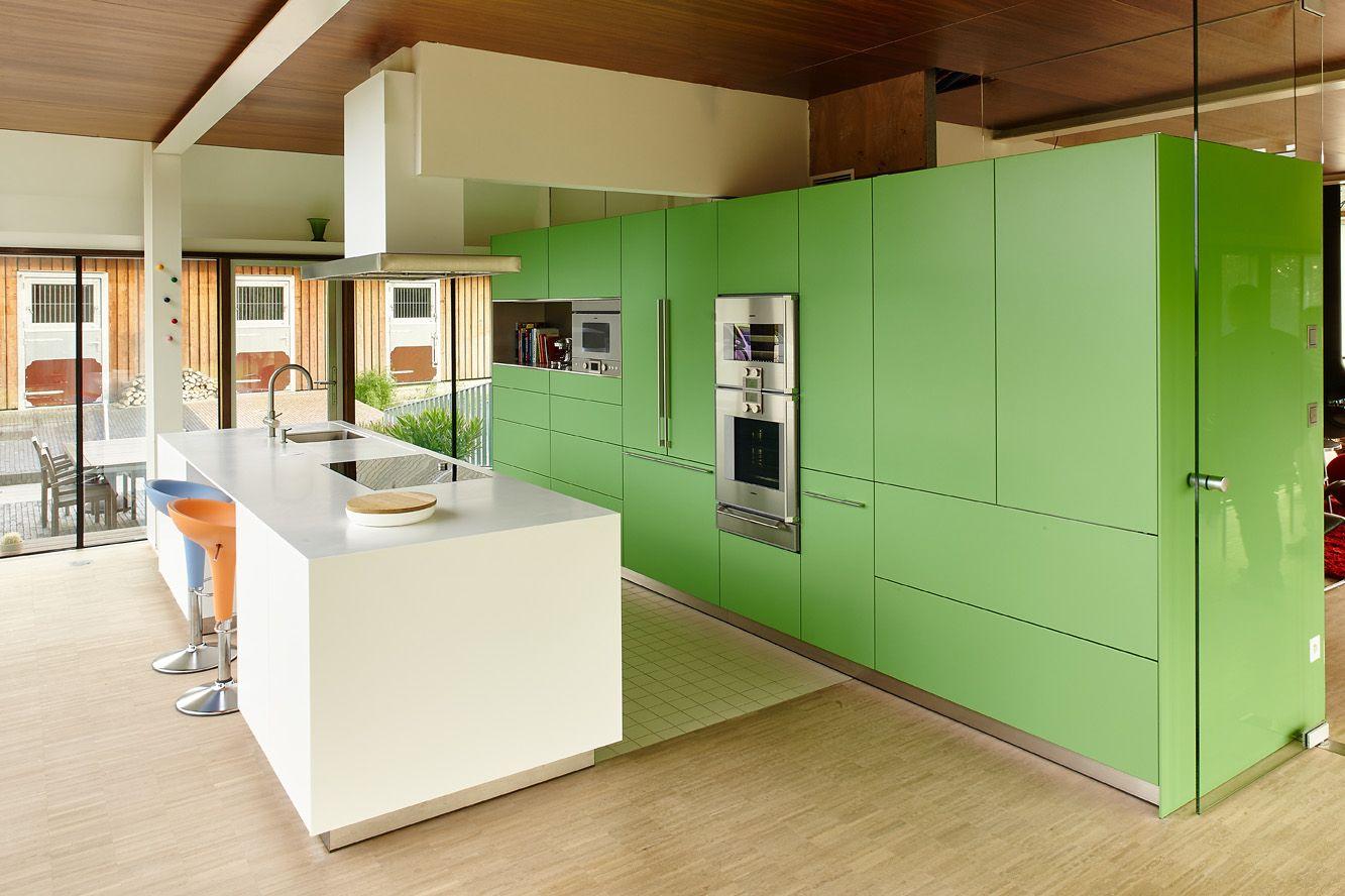 bulthaup b3 keuken in het groen met wit keukeneiland