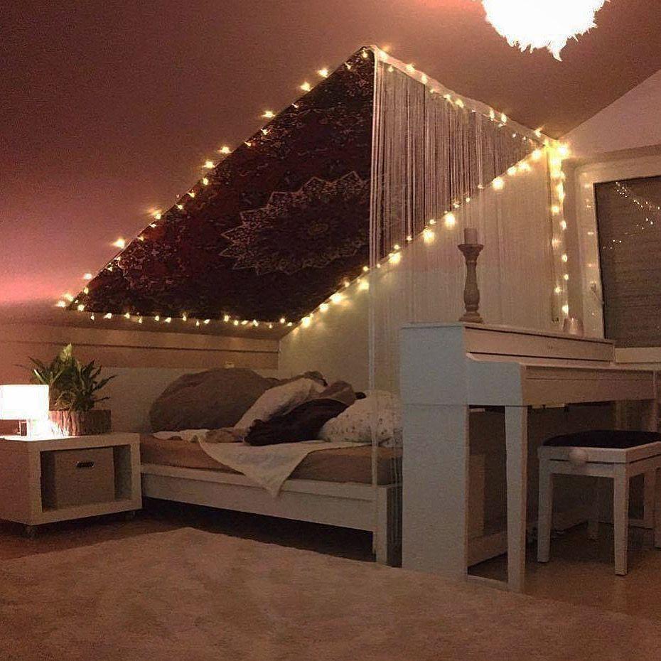 Dachschräge mit Mandala Wandteppich #indischesschlafzimmer