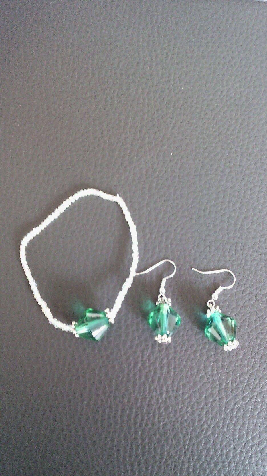 Armband en oorbellen gemaakt