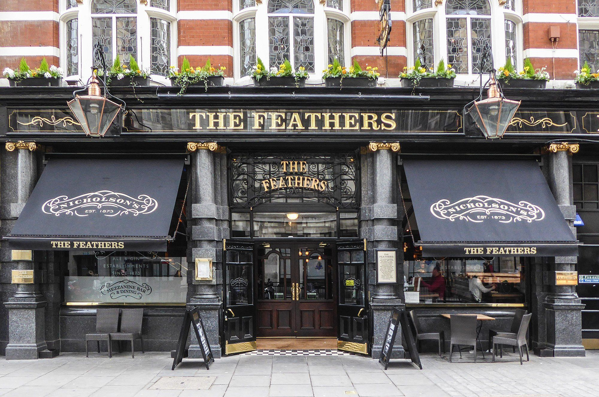 Awnings for pubs   a Deans Speciality   Woodworking projects diy ...