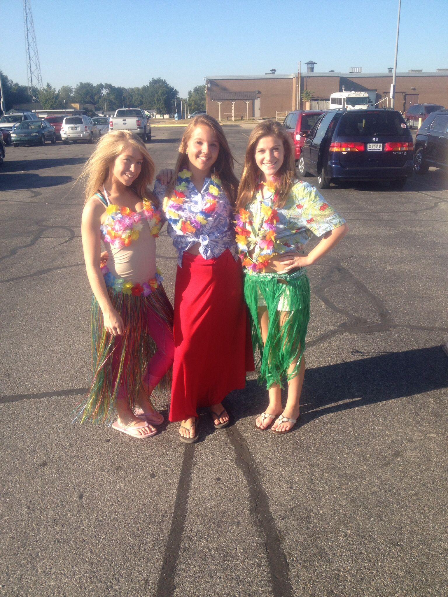 Hawaiian themed football game, perfect outfits! Luau