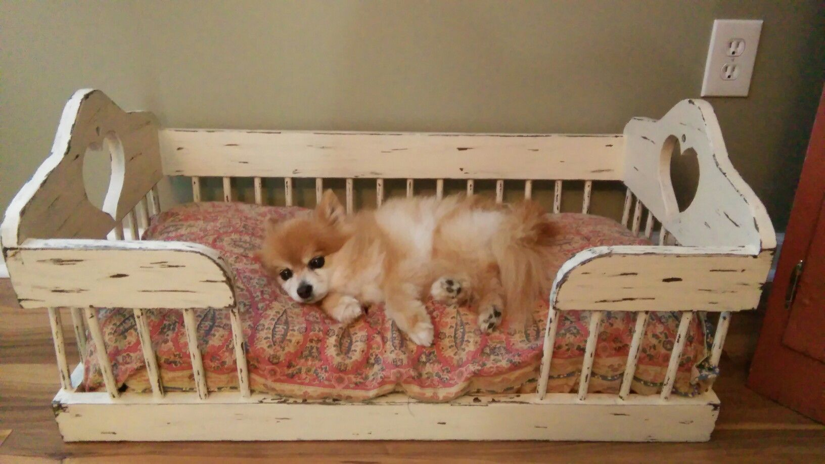 Dog bed Made from chair Dog bed, Diy dog bed, Dog furniture