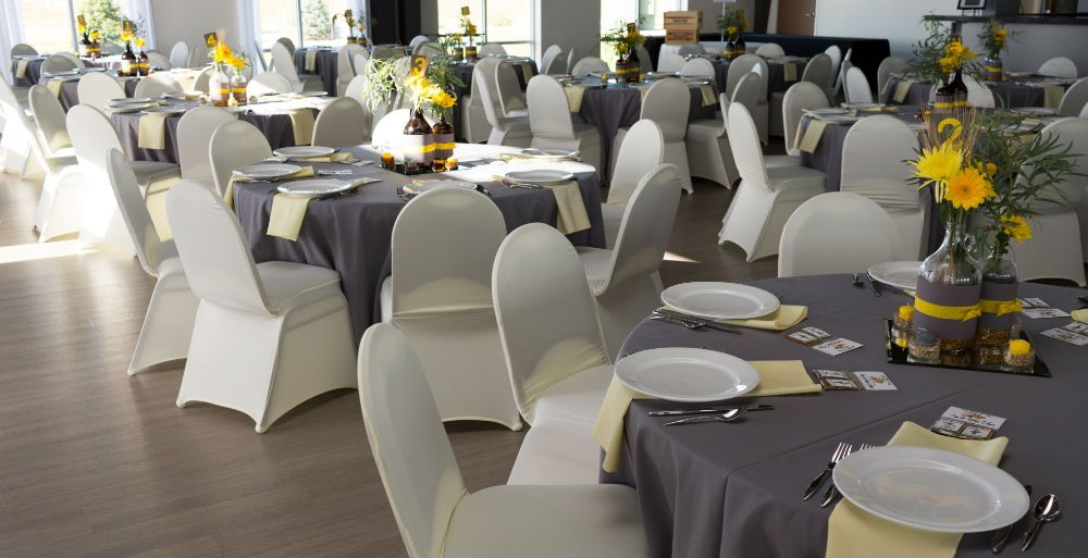 Fort Collins, CO Windsong Estate Event Center, Lindsay & Cory October Wedding, Roe Photography