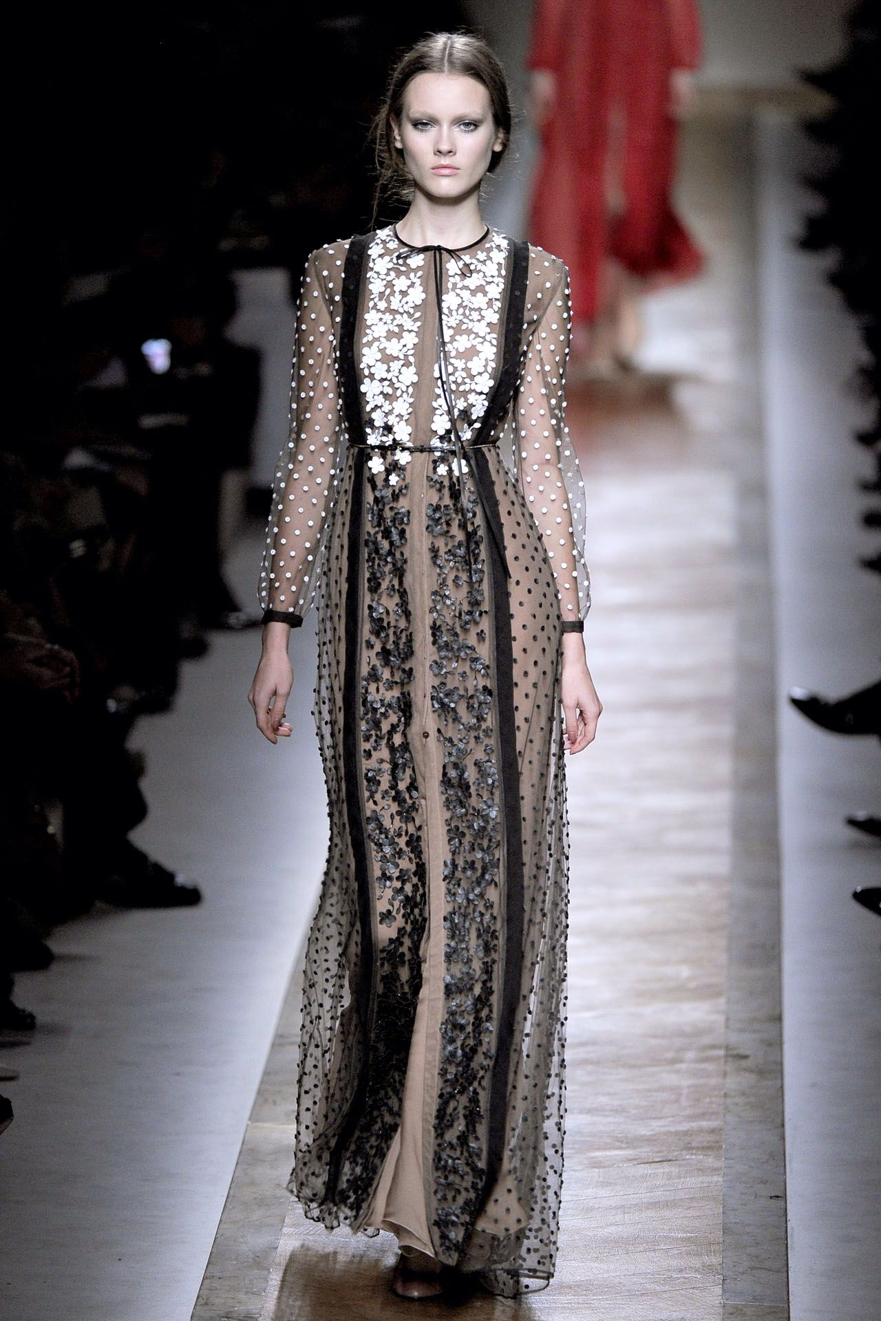 Pin by sarah hainsworth on catwalk pinterest lace