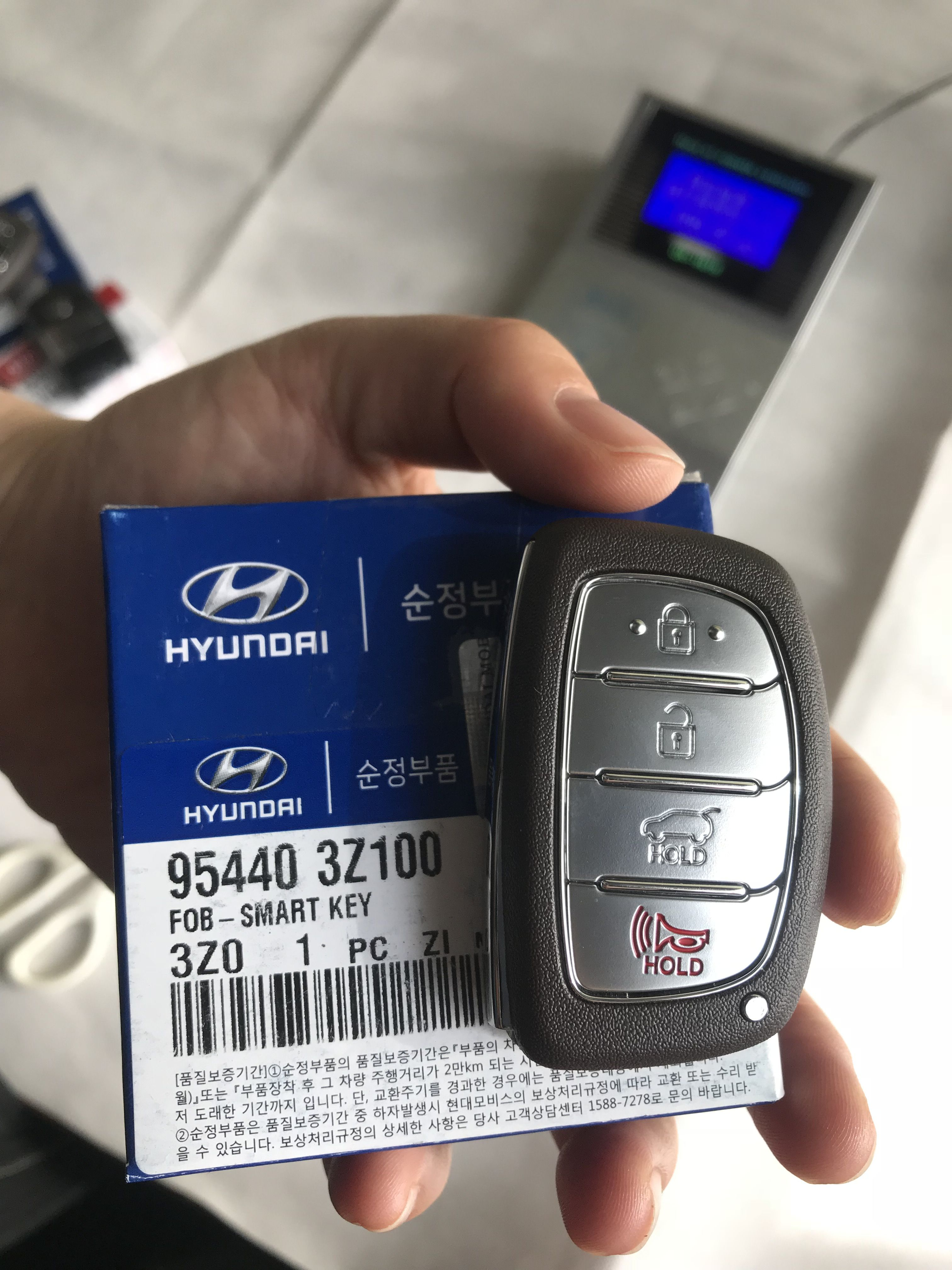 Genuine (OEM) Original Hyundai I40 Smart Key Remote 4