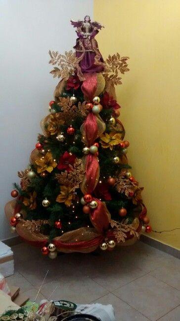 Arbol De Navidad Rojo Y Dorado Chritmans Tree Red And Gold Decoracion Arbol De Navidad Decoracion De Arboles Decoracion Navidena