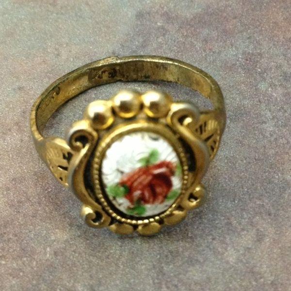 Ring Marked 18k Hge Espo Rings Nail Bags Floral Rings