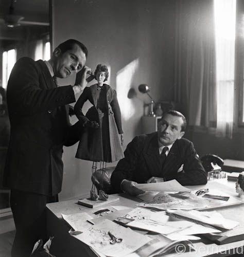 Theatre de la mode paris 1945 la mode couture and designers - Chambre syndicale de la haute couture parisienne ...