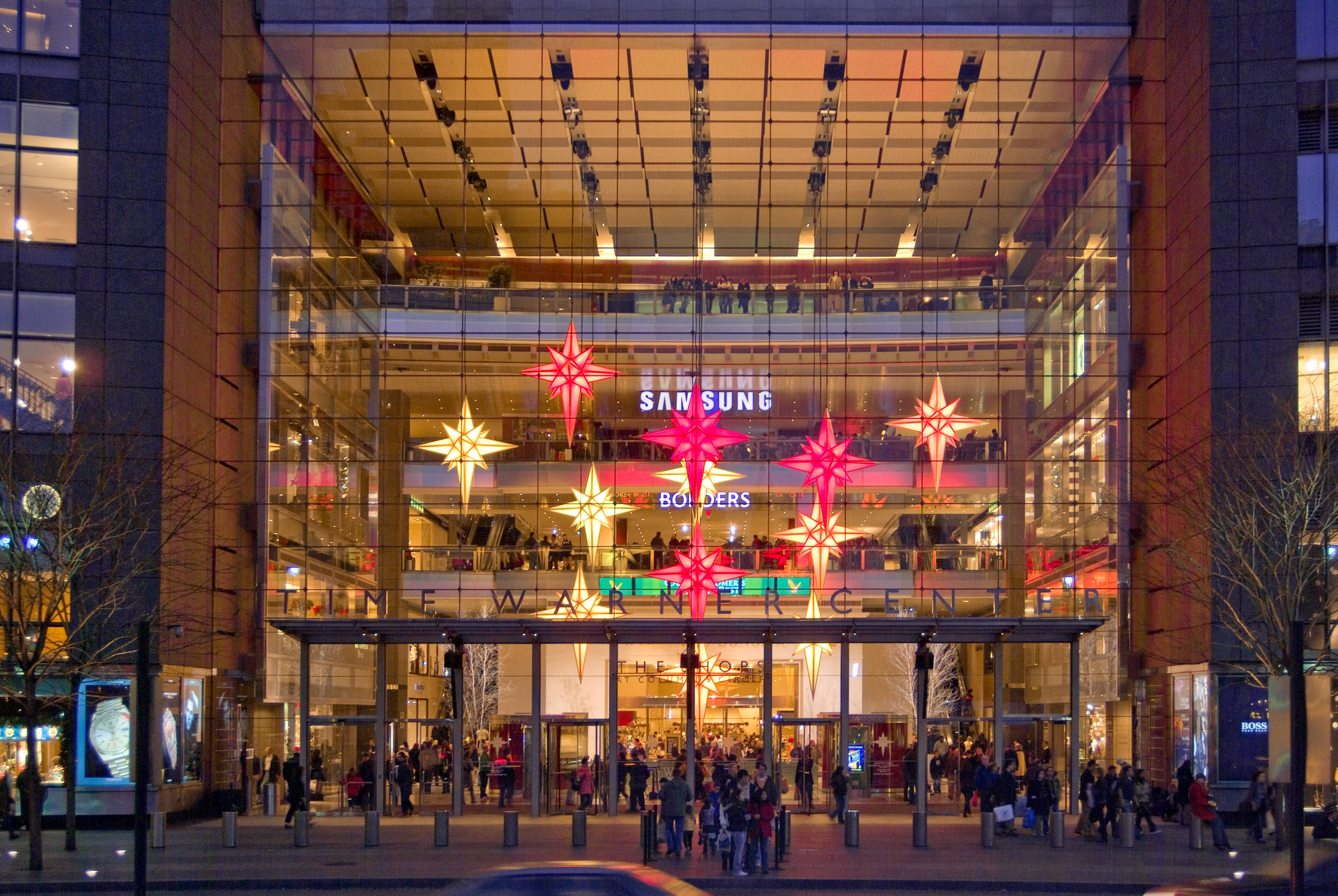 Holiday Decorations At Lincoln Center And Time Warner Center Time Warner Center Nyc Christmas New York Travel