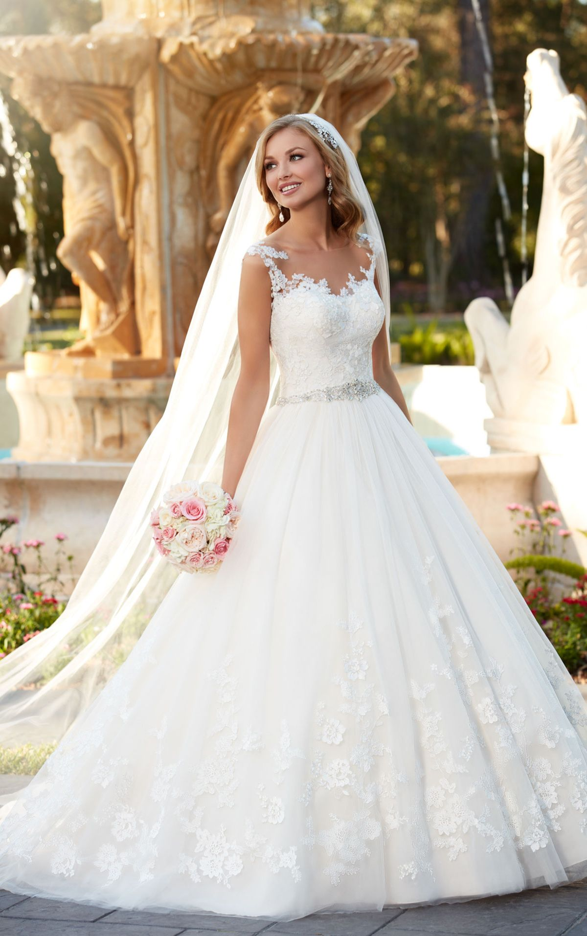 Lace and tulle ball gown wedding dress - Stella York | Pinterest ...