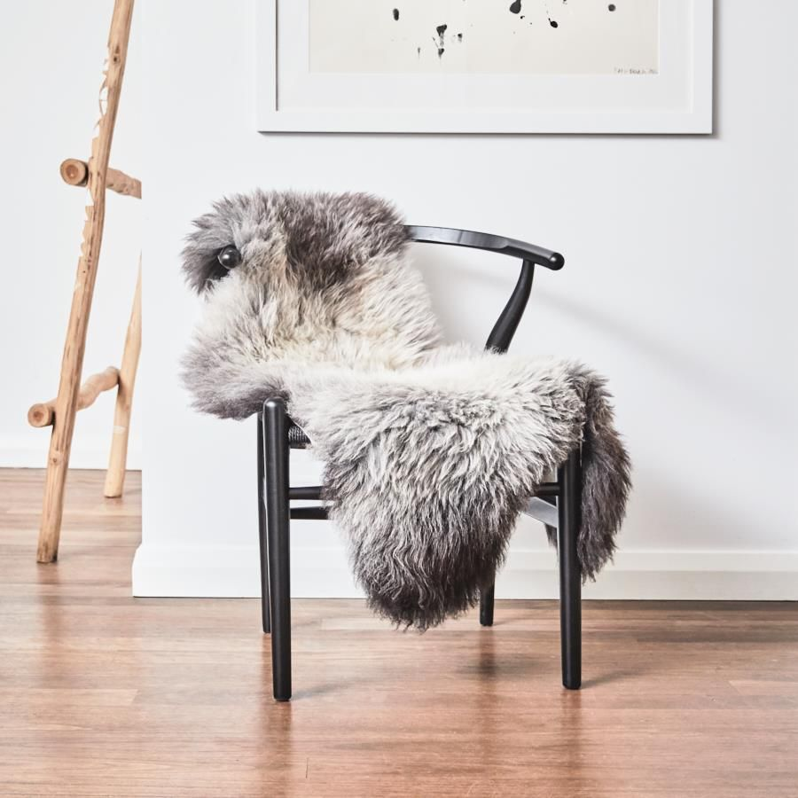hides of excellence natural shorn icelandic sheepskin rug with dark edges adds a rustic yet