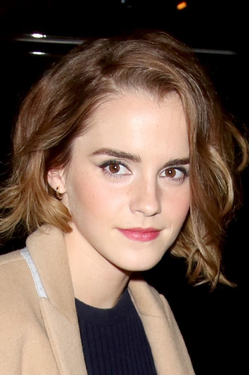 Emma Watson Just Unveiled A Chic New Haircut Current Hair