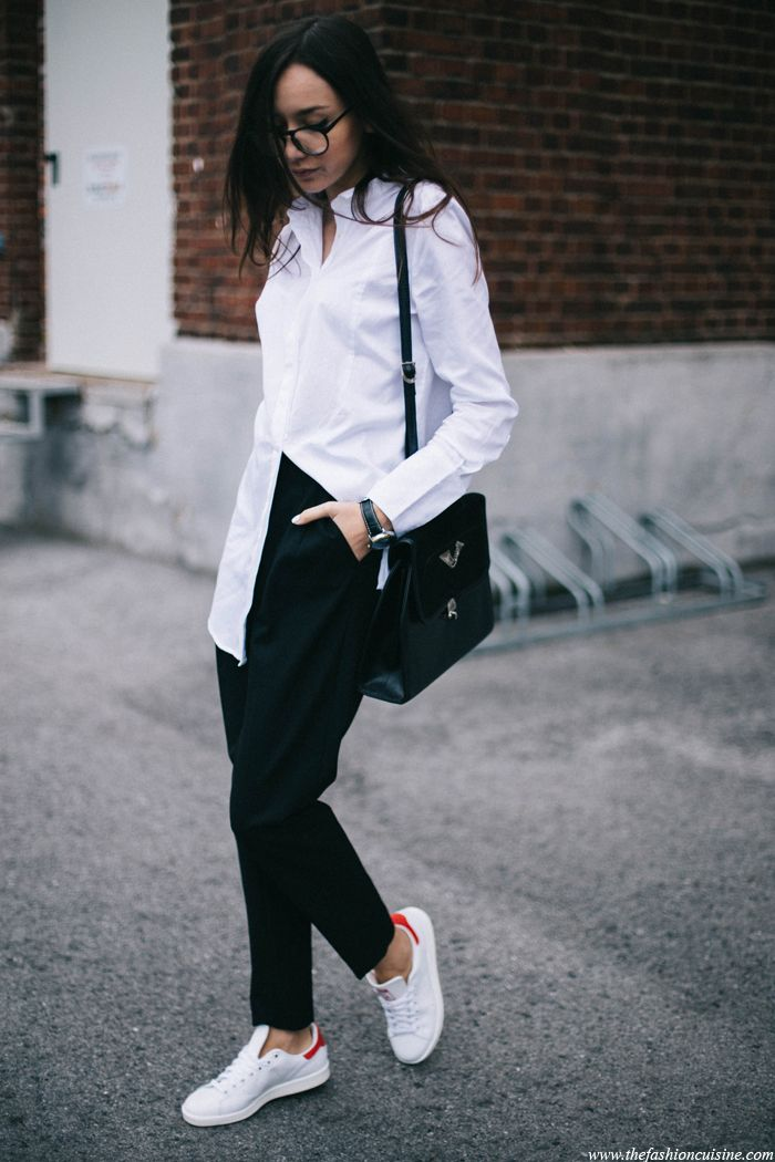 Minimal outfit with red Adidas Stan Smith | Adidas stan