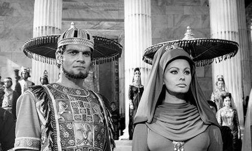 سبب سعى إسرائيل وراء تصفية النجم عمر الشريف Sophia Loren Movie Stars Classic Movie Stars