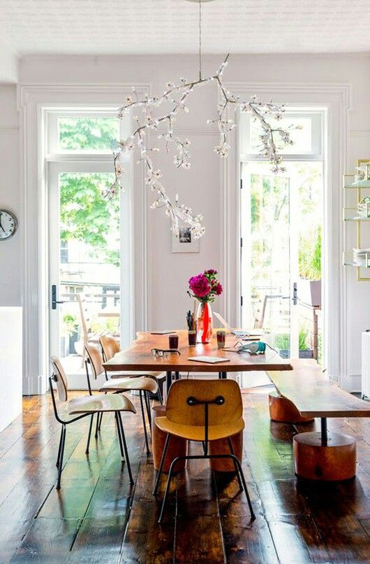 Table de salle à manger en total look bois, esprit champêtre de la