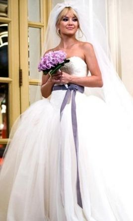 0a4b8c1b0b9c9 Vera Wang Bride Wars Dress - Kate Hudson: buy this dress for a fraction of  the salon price on PreOwnedWeddingDresses.com