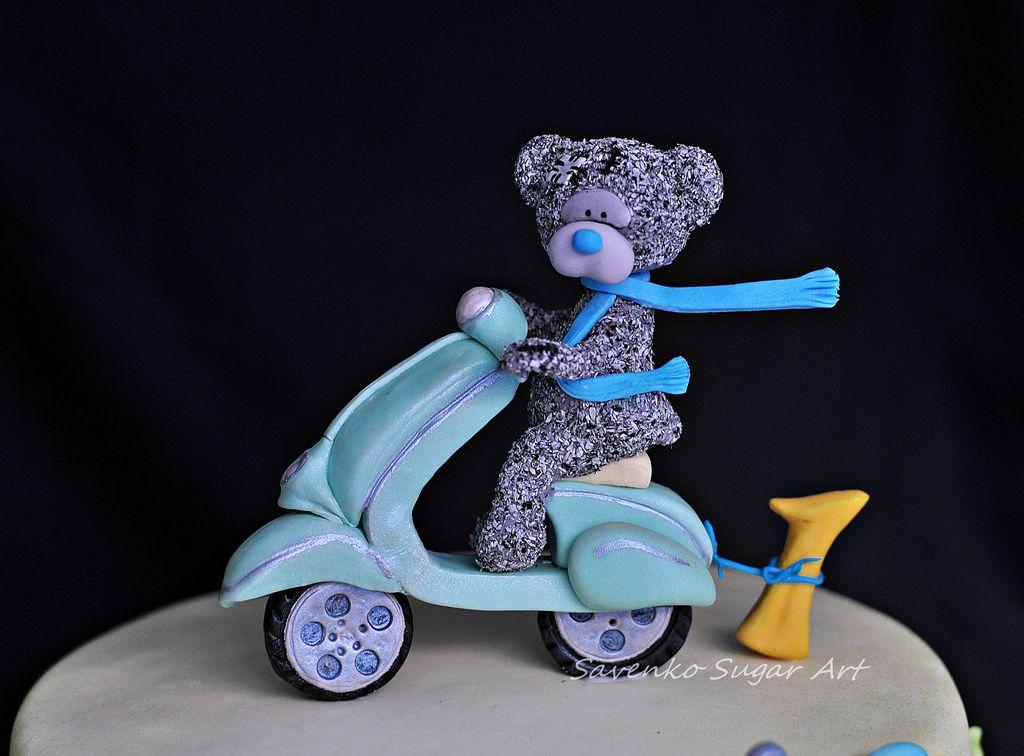 https://flic.kr/p/mrcs3d | Tatty Teddy and Vespa cake