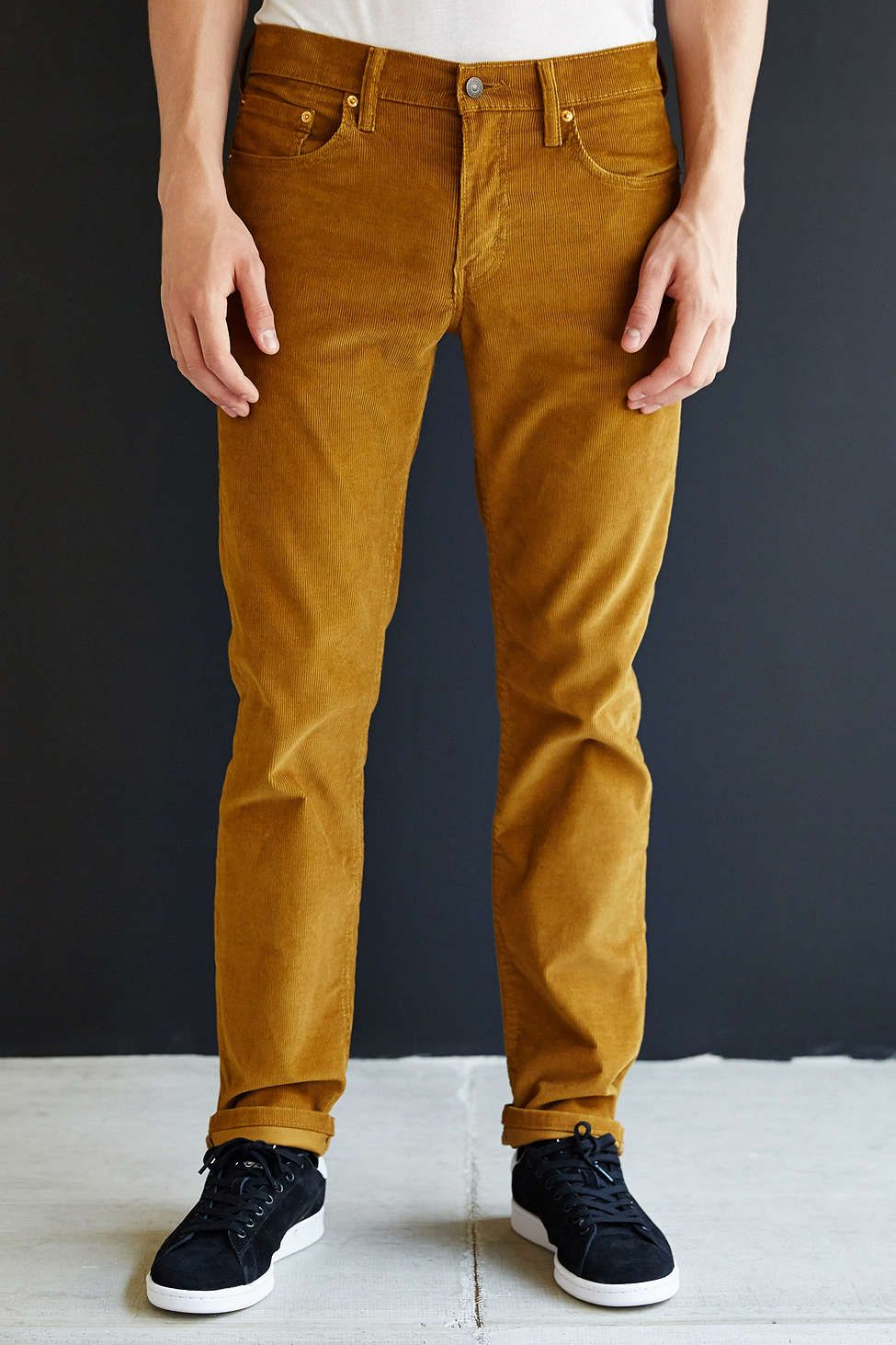 The corduroy pants men crave effortlessly add class to any casual look. Men's cord pants can be paired with any tops such as sweaters, polos, button downs, and more. With such great versatility, men's corduroy pants will quickly become your favorites for everyday wear.