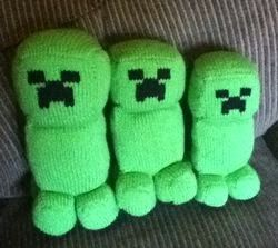 Minecraft Amigurumi Pattern Creeper Knitting Pattern  This is a great knitting pattern for fans of the Minecraft game, it sometimes feels that every young kid is playing on Minecraft. #knitting #knittingpattern #amigurumi #toypattern