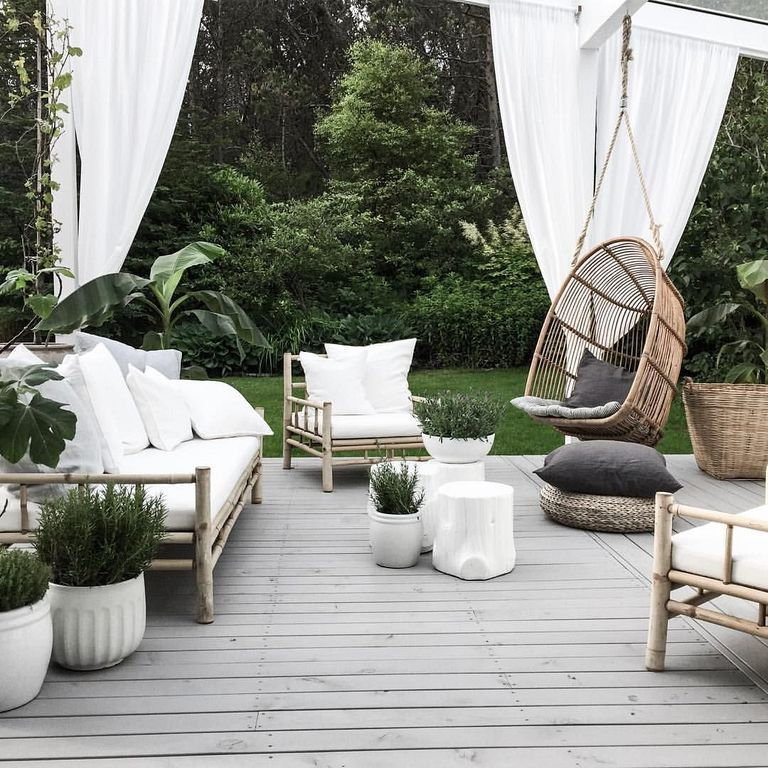 40 Charming Boho Garden Ideas For Outdoor Living Decor With Images Outdoor Living Decor Patio Furniture Sets