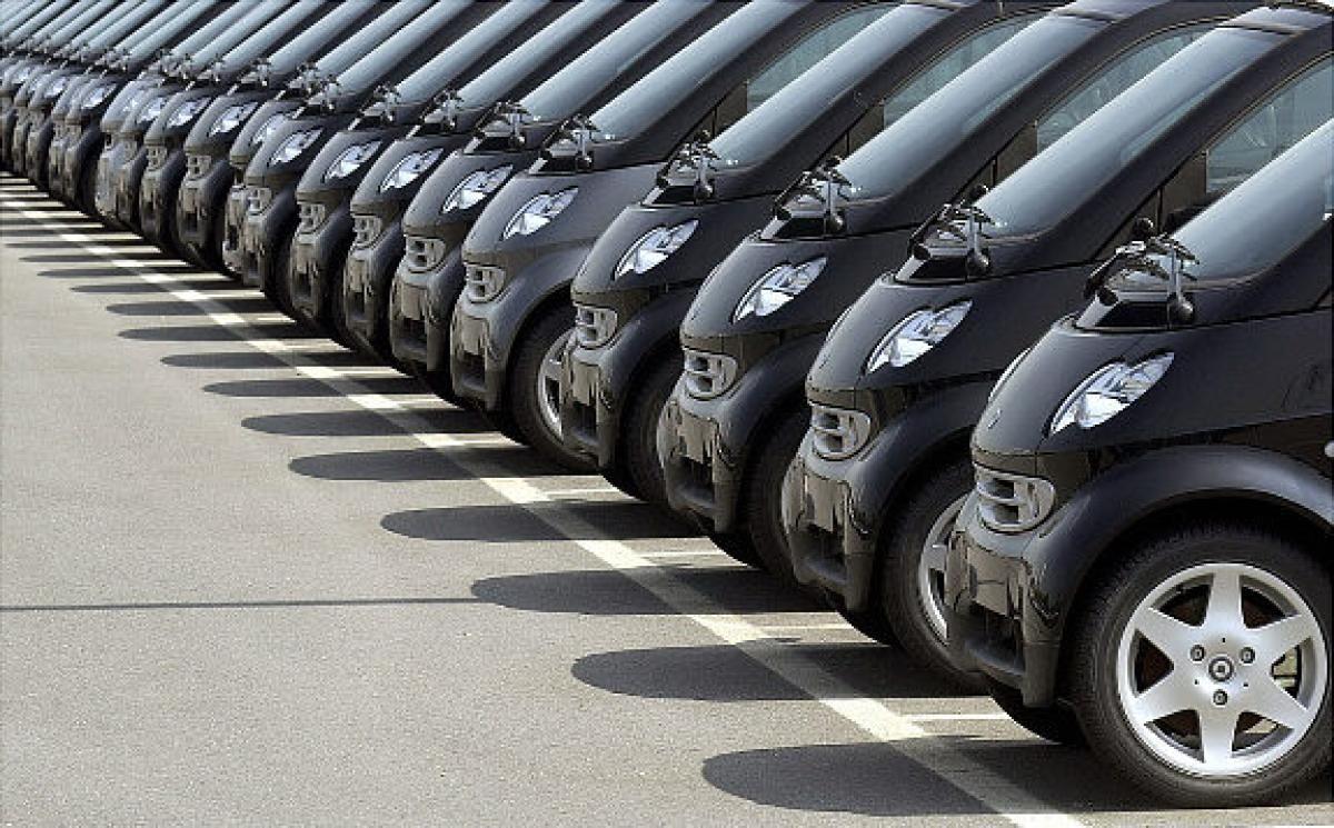 Pile Up: Unsold Cars Graveyards - slide 1   Smart dealer, Smart car ...