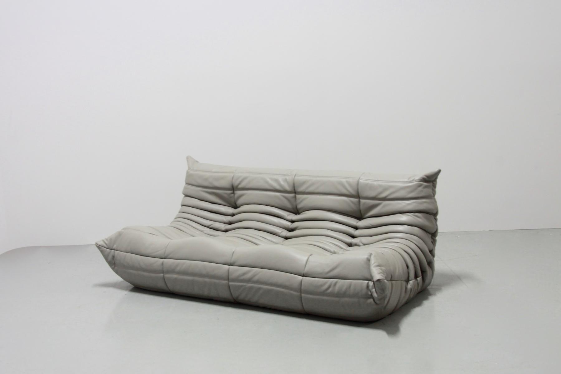 Wunderbare Licht Grau Leder Sofa   Schreibtisch Ein Chesterfield Sofa Auch  Bekannt Als König Des Sofas