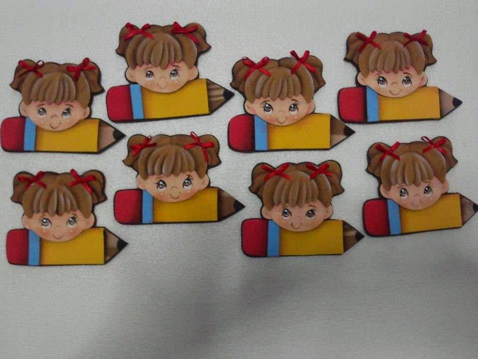 Manualidades Escolares Para Decorar Herramientos Y Accecorios Prácticos Para El Colegio Manualidades Escolares Distintivos Para Niños Gafetes Para Niños
