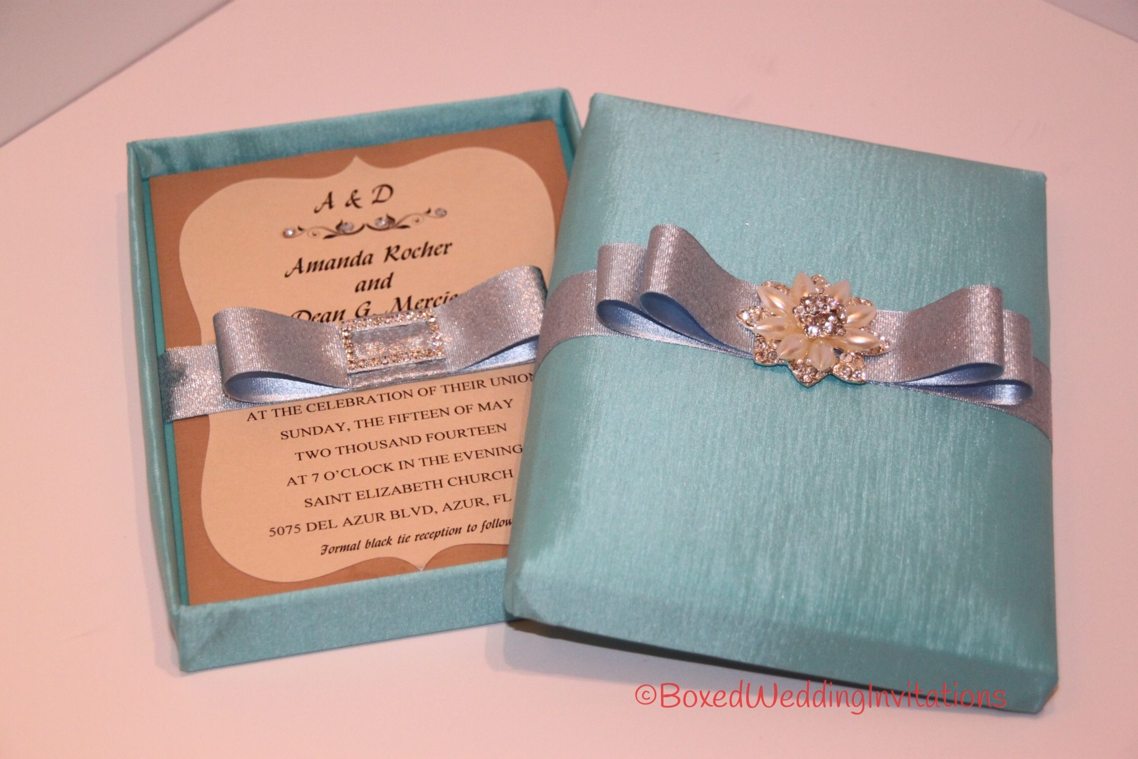 Beautiful azure invitations box perfect for a destination wedding beautiful azure invitations box perfect for a destination wedding wedding destinationwedding stopboris Images