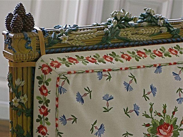Sur les pas de Marie-Antoinette... | Petit trianon, Petit trianon ...